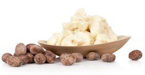 کره Shea چربی است که از آجیل درخت روغن قلم استخراج می شود. به رنگ سفیدی یا عاج است و قوام خامه ای دارد که به راحتی در پوست شما پخش می شود. اکثر کره درخت گوسفند از درختان شیا در غرب آفریقا تهیه می شود. غلظت بالای اسیدهای چرب و ویتامین ها باعث شده کره کره یک ماده آرایشی ایده آل برای نرم شدن پوست باشد
